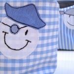 boy toilet bag detail: pirate faces