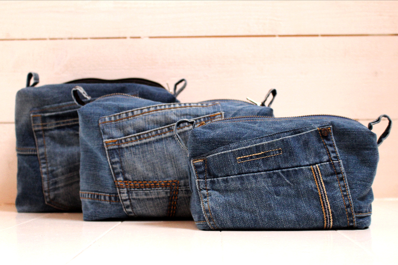 Denim toiletbags in different sizes