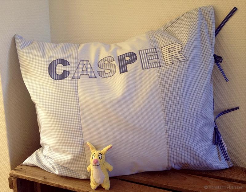 C-blue checked Casper