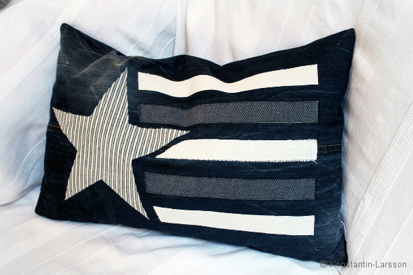 C, black star & stipes offwhite and striped