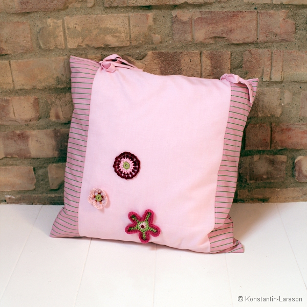 C, rose, striped pink with 3 crochet flowers